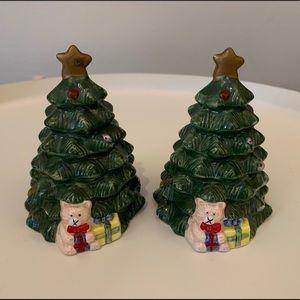 AMC Ny Ny Christmas Tree Salt and Pepper Shakers